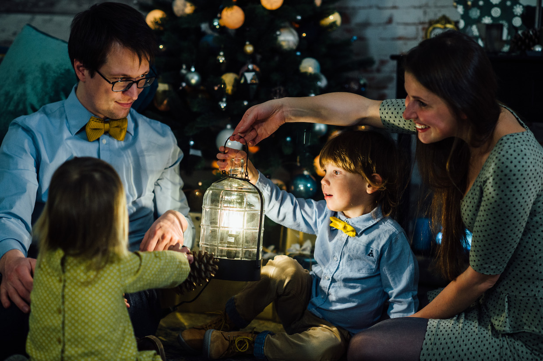 Weihnachtsfotoshooting mit Kindern